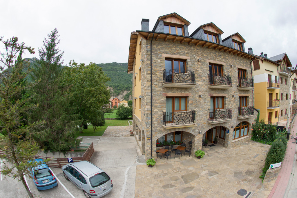 Hotel los Nogales - Campo (Huesca) - Pirineo Aragonés